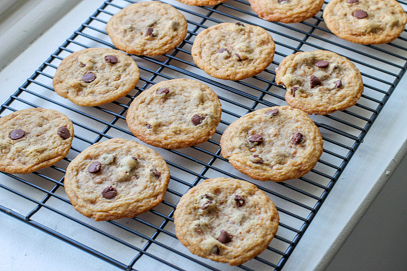 Brown Butter Toffee Chocolate Chip Cookies. - Sallys Baking Addiction